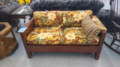 This end up floral love seat