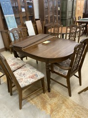 Oak Dining Room Table w\/6 Chaors
