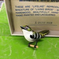 Vintage Cactus Wren Takahshi Bird Pin - COLLECTIBLES