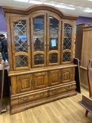 Oak 2 Piece Hutch w\/ Glass Shelves