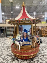 Mr.Christmas Gold Label Collection Victorian Carousel With Photo Frames