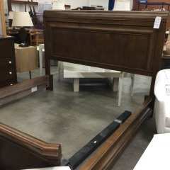 Maple Finish King Size Bed - BETTER\/NEW FURNITURE