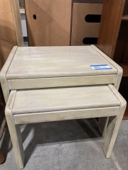 Set of 2 Nesting End Tables