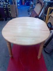 KITCHEN TABLE W\/ LEAF