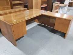 L-shaped Desk w\/ glass top