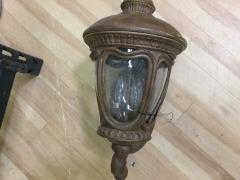 Outdoor Porch Light - LAMPS\/FISTURES
