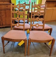 4 Oak chairs \/ Pink Cushions