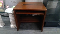 Office Desk\/w Pullout Top