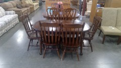 Dark Wood Dining Room Table \/w 5 Chairs