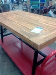 BRAND NEW PICNIC TABLE