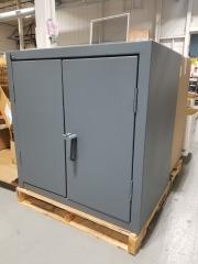 Global Industrial\u2122 12 Gauge Heavy Duty Counter High Cabinet