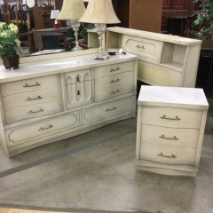 Vintage Frosted Bedroom Set - COLLECTIBLES