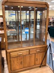2PC HUTCH W\/ MIRROR BACK & GLASS DOORS