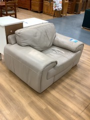 OVERSIZED LEATHER ARM CHAIR