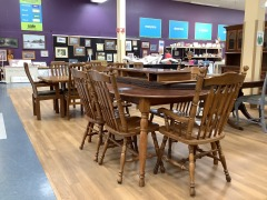 OVAL OAK DINING ROOM TABLE W\/ 2 LEAVES &6 CHAIRS