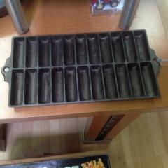 Vintage Cast Iron 22 Corn Stick Pan - COLLECTIBLES