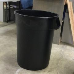 New 33 gallon Trash Can - HARDWARE