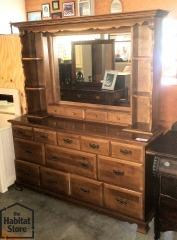 8 drawer dresser\/ mirrored hutch