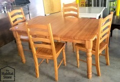 Oak Finished Table w\/ 4 Chairs