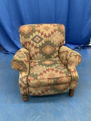 GEOMETRIC PATTERNED RECLINER