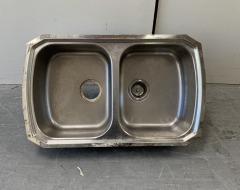 GENTLY USED Kitchen Sink